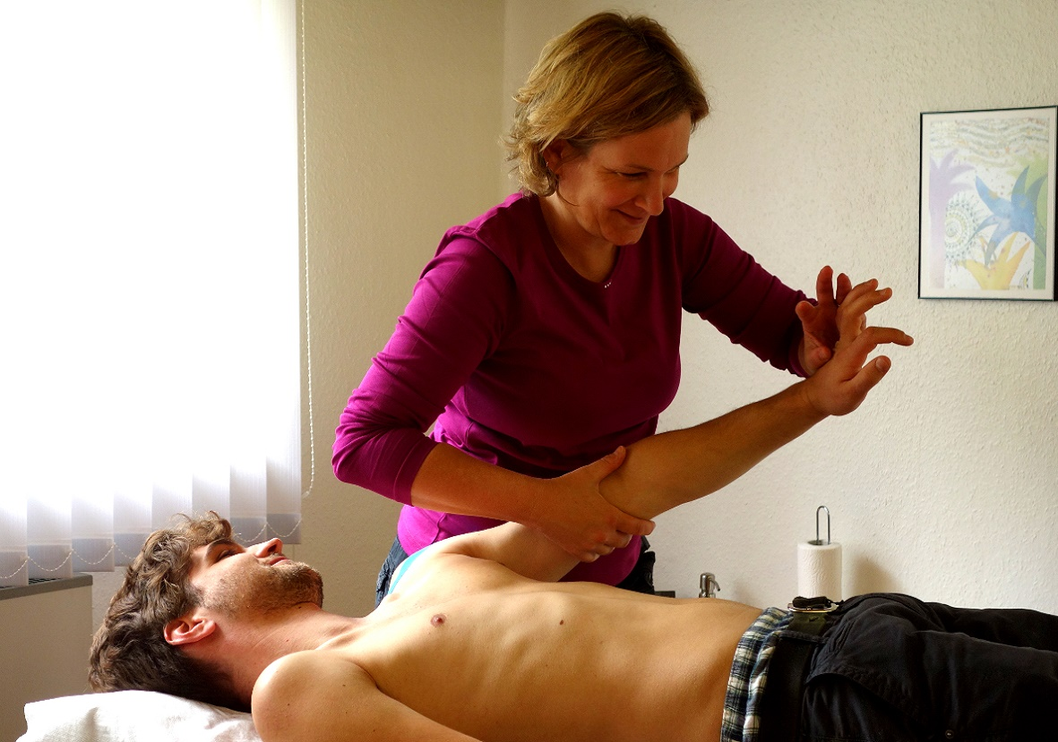 Behandungen in der Physiotherapiepraxis Sandra Mühlenbrock in Weende